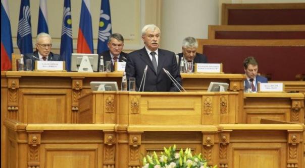 Губернатор Петербурга ушёл в отпуск на две недели