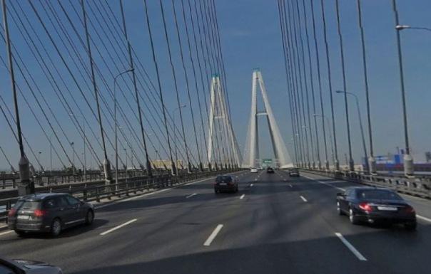 На Большом Обуховском мосту движение ограничат до ноября