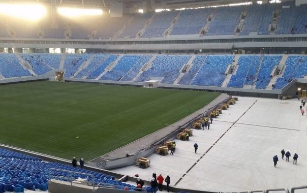 Во время тестирования выкатного поля на стадионе Крестовский возникли трудности