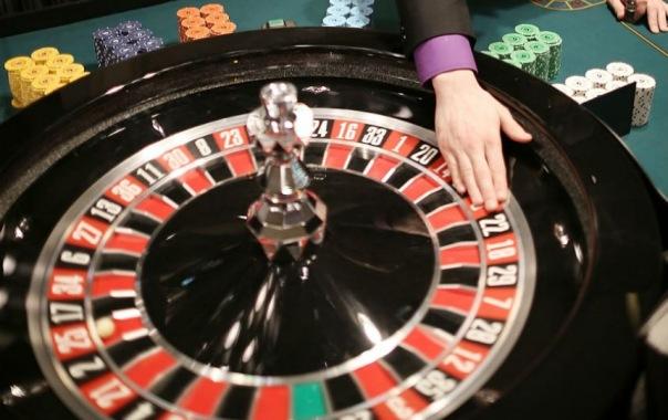 Петербуржец организовал в квартире на Пролетарской нелегальное казино