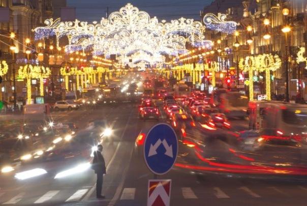 Новый год: Петербург в этом сезоне украсят тематические ёлки
