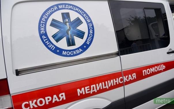 Спускавшаяся по простыням с пятого этажа петербурженка погибла после падения