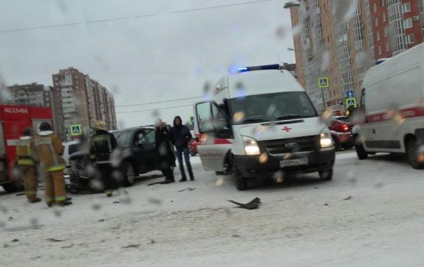 Жертвы гололёда: В Петербурге 26 ноября произошло боле десяти ДТП
