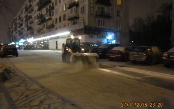 Дорожники Петербурга готовятся отражать очередную снежную атаку