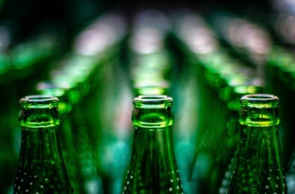 В Ленобласти изъяли 300 тысяч бутылок нелегального алкоголя