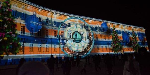 Движение в центре Петербурга перекроют из-за светового шоу