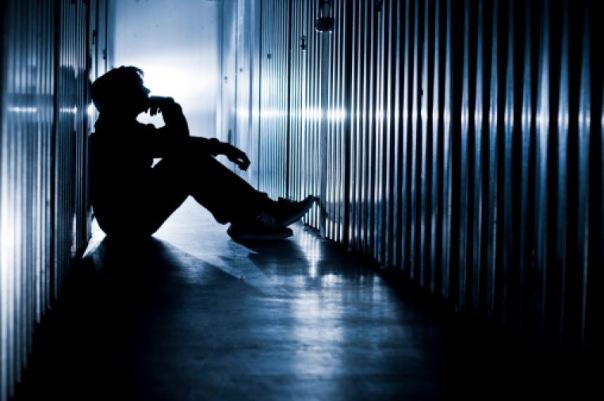 Детский омбудсмен Петербурга предупредила о возможной волне самоубийств