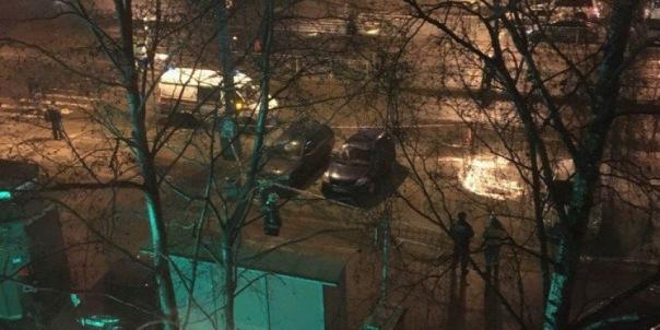 На Маршала Жукова из-за прорыва теплосети эвакуировали машины