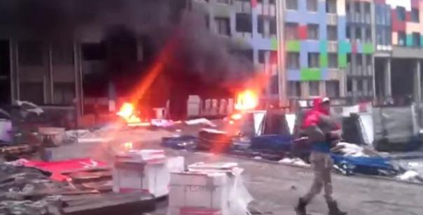 Пожар в строящемся доме тушили в Невском районе Петербурга