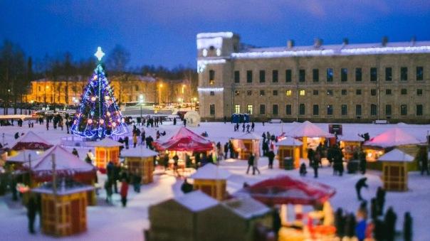 Весёлый и яркий фестиваль Новогодняя кутерьма открывается в Гатчине