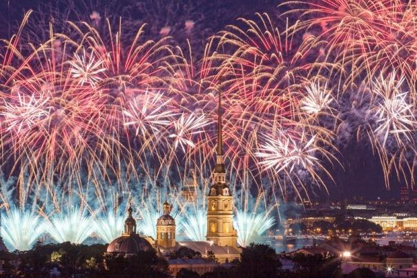 В Петербурге 10 человек пострадали от петард в новогоднюю ночь