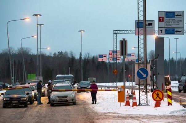 Автобусы Lux Express из Петербурга не пропустили через финскую границу