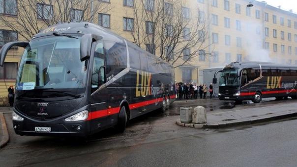 Почему автобусы Lux Express не пропускают через границу