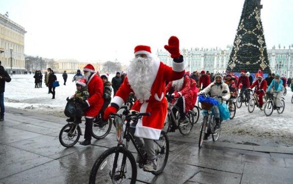 Велопарад Дедов Морозов и Снегурочек пройдёт в Петербурге 14 января