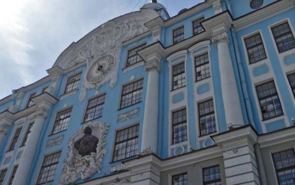 Из-за пуска часов Нахимовского училища в центре Петербурга ограничат движение