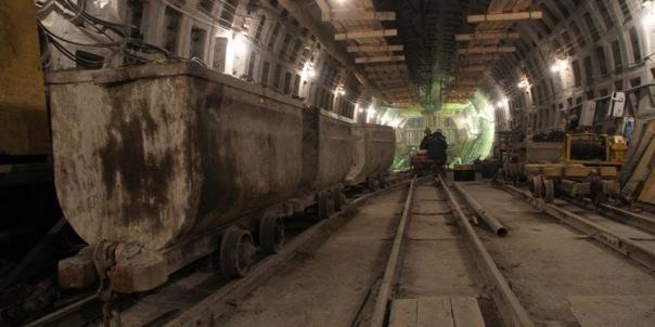 Тоннель до будущей станции метро Горный институт начали прокладывать в Петербурге