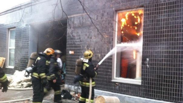 В Адмиралтейском районе горел склад торгового дома Корда