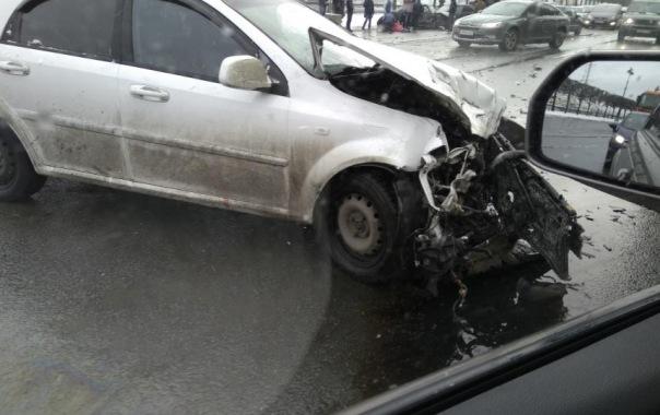 На Васильевском острове произошло массовое ДТП: есть пострадавший
