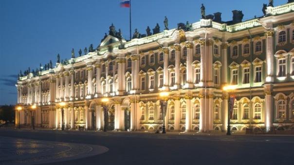 Власти Петербурга планируют лишить Эрмитаж исключительного права на Дворцовую
