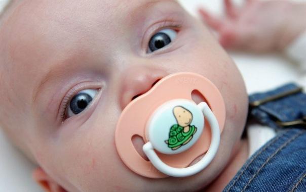 В Петербурге могут ввести поощрение за рождение первенца