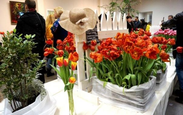 Тюльпаны, марафон и концерты: куда пойти в Петербурге 4 и 5 марта
