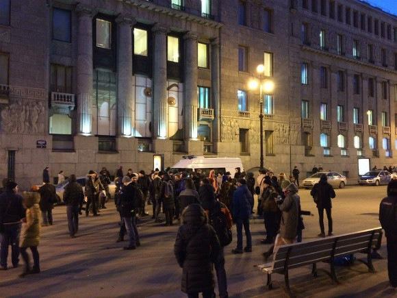 В Петербурге отпустили задержанных на сходе за отставку Медведева