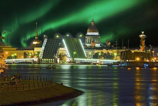 Полярное сияние можно будет наблюдать в Петербурге и Ленобласти