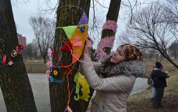 Уличное вязание набирает популярность в Петербурге