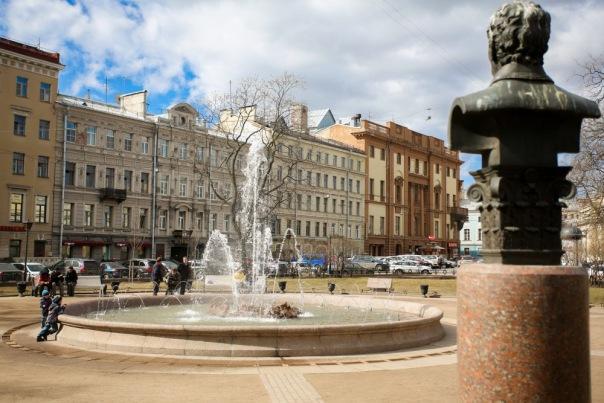 Первые фонтаны в Петербурге запустят 19 апреля