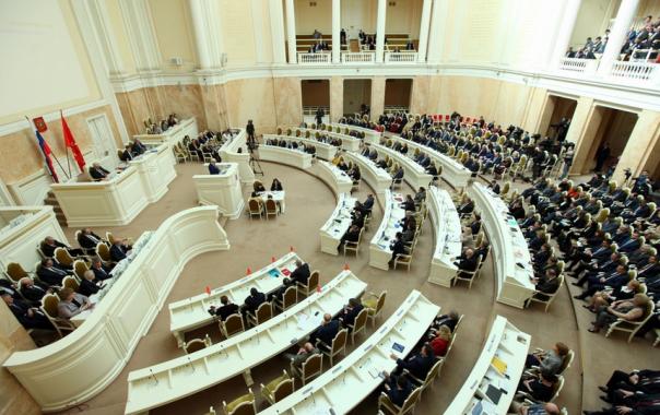 Названы самые богатые депутаты Петербурга