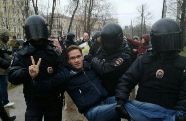 В Петербурге на акции Надоел задержано несколько десятков человек