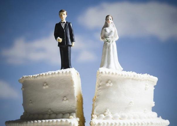 В Петербурге половина браков, заключенных на небесах, распалась