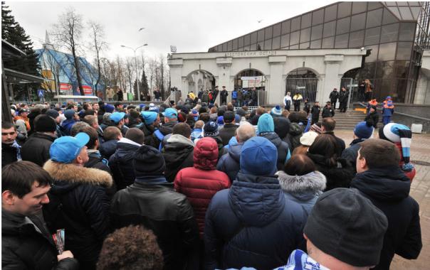 Зрителей матча Зенит Терек развезут на бесплатных автобусах