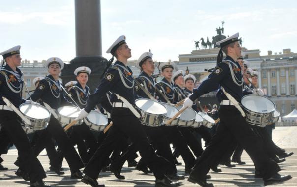 На земле и в небе: Петербург готовится к празднованию Дня Победы