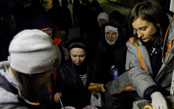 В Петербурге за апрель накормили более двух тысяч бездомных