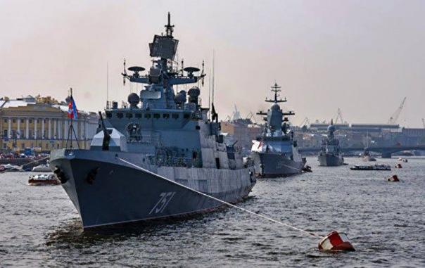 Фонтанка сообщила об отмене морского парада в Петербурге