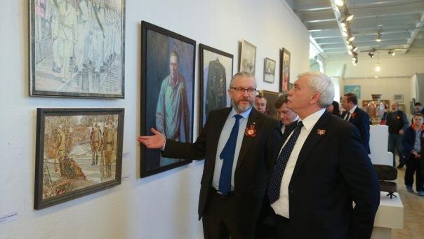 В Петербурге открылась традиционная выставка ко Дню Победы