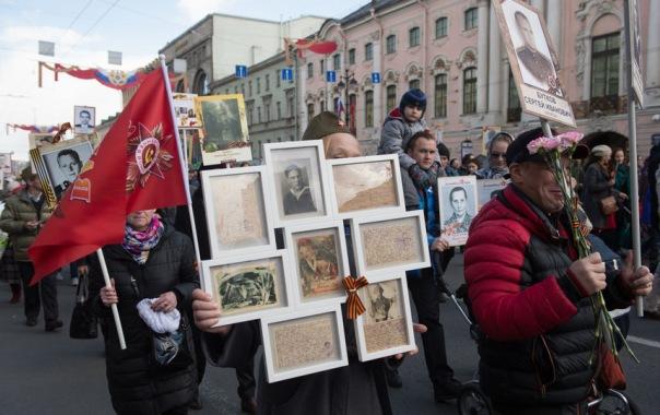 В Петербурге Бессмертный полк собрал около 700 тысяч человек