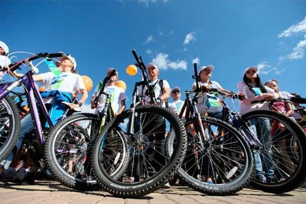 Кубок Петербурга по велоспорту ограничит движение на Левашовском шоссе