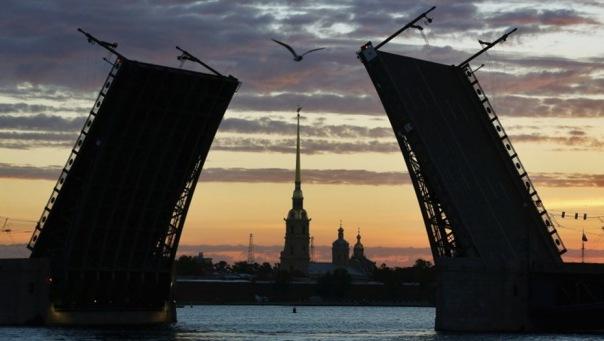 В Петербурге в День России мосты разводить не будут