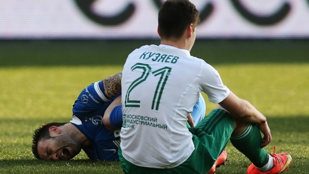 Полузащитник Ахмата Далер Кузяев подписал контракт с Зенитом на 3 года