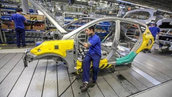 Промышленность Петербурга ускорила рост на 2,7% с начала года