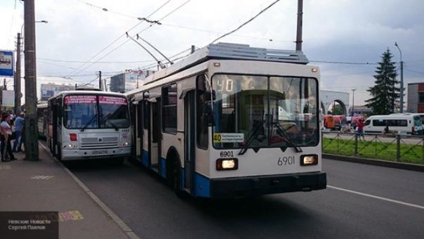 Троллейбусы перестанут ходить по улице Есенина в Петербурге с 22 июля